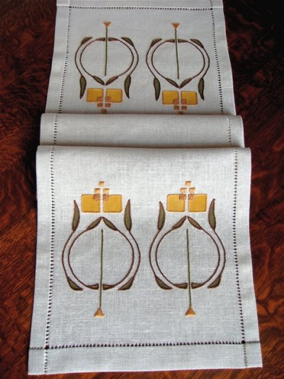 Nell Table Scarf Embroidery Kit - Click Image to Close